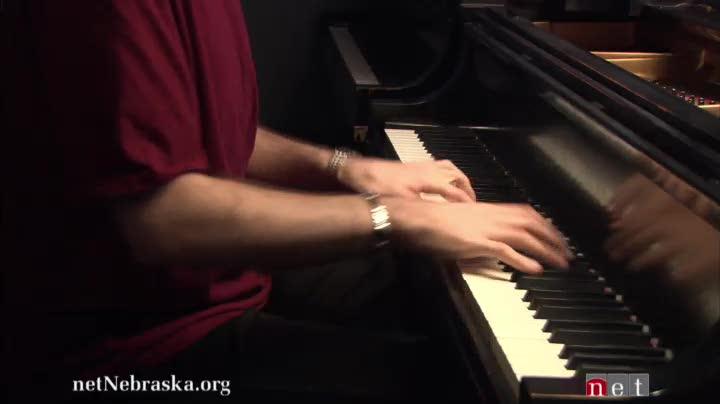 "Stavros Laparidis Performs ""Ondine"""